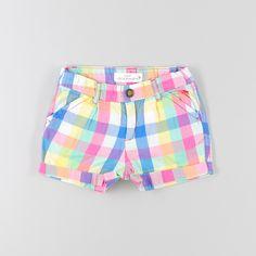 Shorts de cuadros Baby Girl Fashion, Toddler Fashion, Kids Fashion, Short Niña, Short Girls, Outfits Niños, Skirts For Kids, Girl Bottoms, Chor