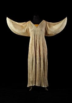 Historically, the Winter Goddess has often appeared in angelic form.. (Mariano Fortuny 1907)