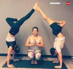 #Repost @gioloyoga @powerclubpanama  bajamos el volumen a esa pequeña voz que obstaculiza avanzar y donde tú mente empieza a controlar cada parte de tu cuerpo donde tu respiración empieza a calmar esos estiramientos Love  #PowerClubPanama  #yoga #yogafun #yogapty #yogalover #thepanamalife #yogapractice #yogaart #YoEntrenoEnPowerClub
