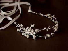 Vid de pelo floral, Novia de diadema, tocado de novia, boda halo, diadema de diamantes de imitación de perlas, cinta, oro, plata naturaleza inspirada