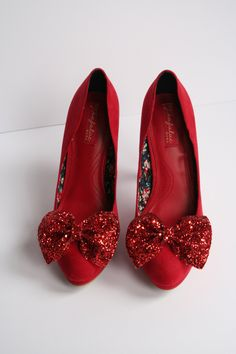 Pair of Red glitter bow shoe clips, red glitter bow, shoe clip, handmade shoe clips, glitter red material, pair of bow shoe clips by LexyLuxDesign on Etsy