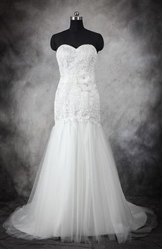 5be274910fb0 Wedding Dress Photos - Find the perfect wedding dress pictures and wedding  gown photos at WeddingWire.