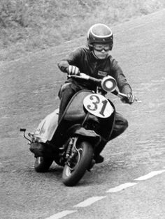 scooter racing during the late 60′s & 70′s / Lambretta