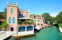 Gardens of time venice gondola Small Island, Park City, Pavilion, Landscape Design, Venice, Things To Do, Picnic, To Go, Europe