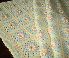 Lavori a maglia: copertine per neonati  (Foto 13/41) | Donna