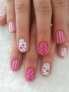 Heart Nail Art Designs And Ideas Short Pink Nails, Cute Pink Nails, Pink Nail Art, Yellow Nails, Black Nails, Nail Art Cute, Nail Art Diy, Diy Nails, Heart Nail Art