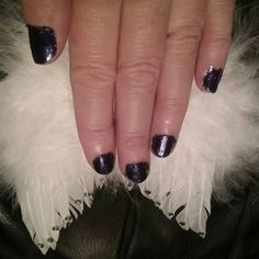 BEAUTY&PRETTY NAILS...MySTYLE&Colour this week. Nice&Favourite My colour too Lila...CHRISTMAS is Coming...LOVELY....I LoVe&ENJOY Christmas Time...You? #beauty #nails #style #christmastime #christmas #colours #news #trends #gifts #enjoy #blog ☺