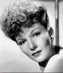 Mary Martin (December 1913 - November American stage actress (she played in the musical version of 'The Sound of Music, and she was the mother of actor Larry Hagman). Old Hollywood Glamour, Golden Age Of Hollywood, Classic Hollywood, Inspirational Women In History, Mary Martin, Larry Hagman, Kay Francis, Actors & Actresses, Hollywood Actresses