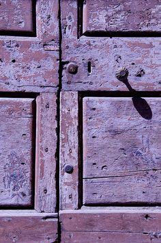 detail of door.