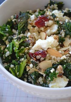 DINNER This has become my go to! Even my 17 month old loves this salad. I've also made it with spinach instead of kale. Quinoa salad with kale and feta Quinoa Salad Recipes, Kale Recipes, Healthy Recipes, Clean Eating Recipes, Healthy Cooking, Healthy Snacks, Vegetarian Recipes, Healthy Eating, Cooking Recipes