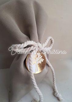Πρωτότυπες μπομπονιέρες γάμου μεταλλικό δέντρο της ζωής πουγκί by valentina-christina.gr 2105157506 Wedding Ideas, Wedding Ceremony Ideas
