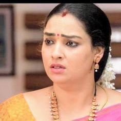 Vidya Balan Hot, Tamil Girls, Beautiful Saree, Actresses, Classic, Beauty, Female Actresses, Derby, Classic Books