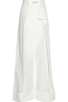 Off-white cloqué Slit pocket, turned-up cuffs Snap-fastening front overlay, concealed button fastening at front 61% viscose, 39% linen Dry clean Designer color: Lily White