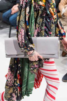 Balenciaga at Paris Fall 2016 (Details)