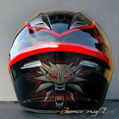 Witcher 3 Wild Hunt airbrush on motorcycle helmet  Source: www.aerografit.pl