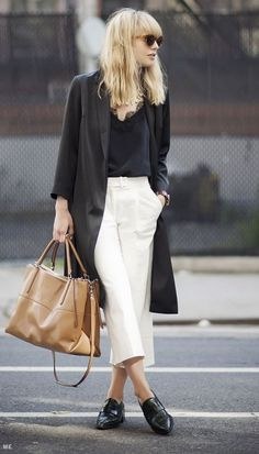 street style culotes culottes outfit look Street Style Outfits, Look Street Style, Mode Outfits, Street Chic, Paris Street, Street Styles, Street Wear, Culotte Style, Black And White Outfit