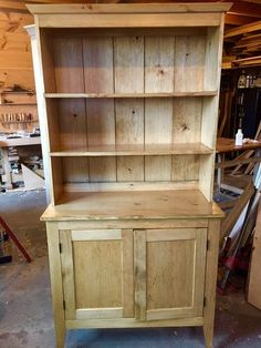 Radiant Woodworking workshop awesome,Woodworking chair life and Woodworking table thoughts. Woodworking Tutorials, Intarsia Woodworking, Woodworking Joints, Woodworking Patterns, Woodworking Workbench, Woodworking Workshop, Woodworking Furniture, Woodworking Crafts, Woodworking Classes