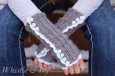 Vintage Inspired Arm warmers, Hand warmers, Wrist warmers, buttons, lacy