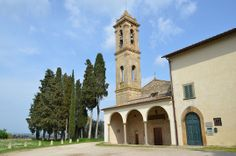 Fachada da Pieve di San Bossolo e do Museo d'Arte Sacra di Tavarnelle Val di Pesa