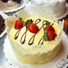 Torta Morango Laka #confeitariapolos (em Polos Pães e Doces)