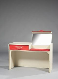 Coiffeuse Raymond Loewy - mirror hidden in what looks like a drawer, ingenious and convenient