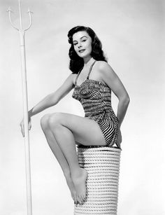 Elaine Stewart was a very popular pin up girl during the 1950s.