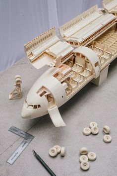 Amazing boeing 777 paper airbus model picture gallery.. #paperaircrafts #papercrafts #boeing777 #architecture #mockup