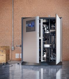 An Australian team uses reduction oxidation technology to collect and store energy.