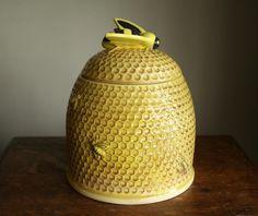 Bumble Bee vintage cookie jar