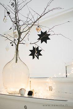 jouluoksa portaikossa / christmas branch / madam stoltz / www.nemilla.fi