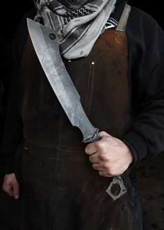 Cool Knives, Knives And Tools, Knives And Swords, Zt Knives, Zombie Tools, Zombie Weapons, Zombie Survival Gear, Zombies Survival, Armas Ninja