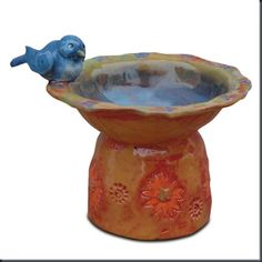Splats, Scraps and Glue Blobs: Birdbath Sculptures with Melted Glass Water Clay Projects For Kids, Kids Clay, 3d Projects, Clay Pinch Pots, Clay Pots, Ceramic Birds, Ceramic Clay, Ceramic Bird Bath, Clay Birds