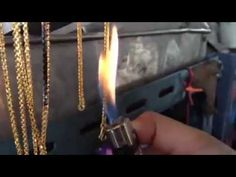 Easy tricks pawn shop owners or anyone can use to tell real gold jewelry from fake pieces. Real Gold Jewelry, Jewelry Rings, Jewlery, Metal Nobre, Vinager, Scrap Gold, Gold Prospecting, Metal Detecting, Stained Glass Projects