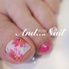 80 ideas to create the best Halloween nail decoration - My Nails Toenail Polish Designs, Toe Nail Designs, Flower Pedicure Designs, Pedicure Nail Art, Toe Nail Art, Creative Nail Designs, Creative Nails, Pink Nails, My Nails