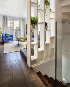 séparation de pièce, variante pour sécurises l'escalier dans une maison spacieuse
