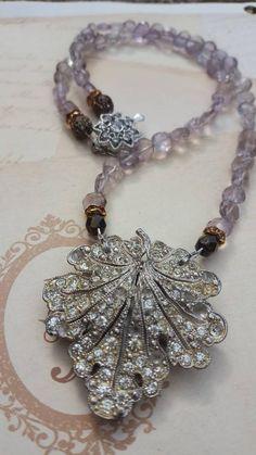Vintage rhinestone clip and amethyst beads Vintage Jewelry Crafts, Art Deco Jewelry, Boho Jewelry, Gemstone Jewelry, Jewelry Design, Funky Jewelry, China Jewelry, Jewelry Ideas, Jewlery