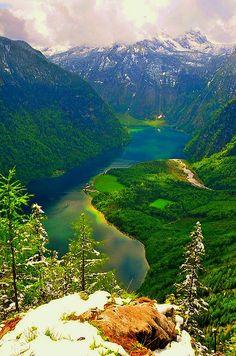 Travel Inspiration for Germany - Lake Königssee, Bavaria, Germany Berchtesgaden National Park, Places To Travel, Places To See, Wonderful Places, Beautiful Places, Beau Site, Germany Travel, Places Around The World, Belle Photo