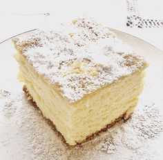 Krempita (Vanilla Slice) - vanilla and custard cream with puff pastry. This delicious cake is very popular in Central Europe. Cream Puff Dessert, Cream Cake, Custard Cake, Vanilla Custard, Vanilla Cream, Pastry Recipes, Baking Recipes, Just Desserts, Dessert Recipes