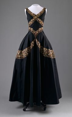 Silk Evening Gown -- Circa 1938 -- Mainbocher -- French -- The Costume Institute at the Metropolitan Museum of Art.