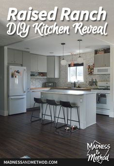 A photo tour of this raised ranch kitchen reveal. From a closed-off space to an open-concept, modern gray, marble, copper & wood kitchen! Raised Ranch Kitchen, Copper Wood, Gray Marble, Outdoor Projects, Open Concept, Diy Kitchen, Madness, House Design, Posts