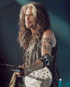 Liv Tyler 90s, Steven Tyler Aerosmith, Paula Patton, Olga Kurylenko, Rock And Roll Bands, Ali Larter, Rachel Mcadams, Margot Robbie, Christina Hendricks