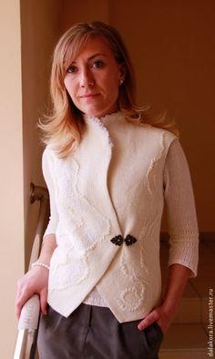 """Жилеты ручной работы. Ярмарка Мастеров - ручная работа. Купить Валяный жилет """"Белый танец"""". Handmade. Белый, Праздничный наряд"""