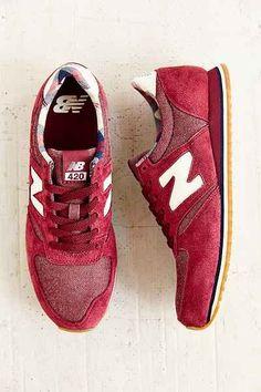 Trendy Womens Sneakers : New Balance 420 Classic Running Sneaker