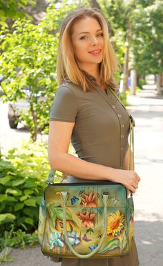 #kaki #ilux #Anuschka #smile #blondie #style My Style, Lady, Heels, Floral, Skirts, Fashion, Heel, Moda, Skirt