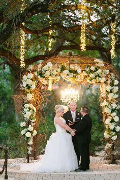 Twilight Metallic Glam Wedding At Sacred Oaks at Camp Lucy Texas | Photograph by Al Gawlik Photography  http://storyboardwedding.com/twilight-metallic-glam-wedding-sacred-oak-camp-lucy-texas/