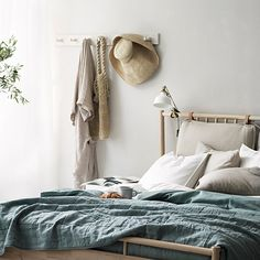Very useful for clothes to wear the next day, good for small rooms Bedroom Inspo, Bedroom Decor, Diy Apartment Decor, Interior Concept, Dark Interiors, Contemporary Interior Design, Small Living Rooms, Minimalist Bedroom, Dining Room Design