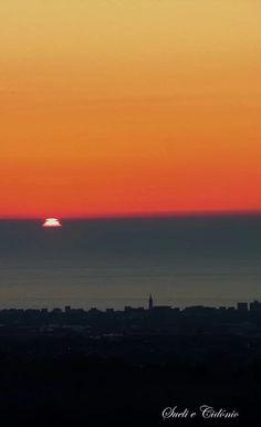 Pôr do Sol em Aguçadora - Póvoa de Varzim - Distrito do Porto Imagem captada no Monte São Félix - Laundos