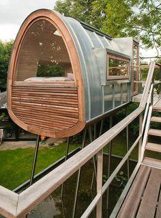 Gartenhaus modern Holz Fassade Edelstahl Gestaltung