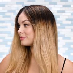 An easy hair mask for all of those with bleached hair! An easy hair mask for all of those with bleached hair! Hairstyles With Bangs, Easy Hairstyles, Straight Hairstyles, Layered Hairstyles, Long Bob Haircuts, Short Haircut, Medium Hair Styles, Curly Hair Styles, Easy Hairstyle Video