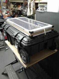 DIY Solar Generators: Build-it-yourself beats ready-made - baileylineroad Solar Energy Panels, Best Solar Panels, Solar Projects, Energy Projects, Solar Powered Generator, Emergency Generator, Diy Generator, Off Grid Solar, Solar Energy System